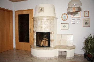 Großer Ofen mit Sitzbank - Halbrund